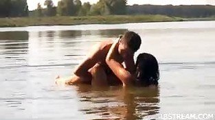Teen whore fucks right in the lake
