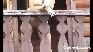 Alena Flashing Susdal balcony show 2