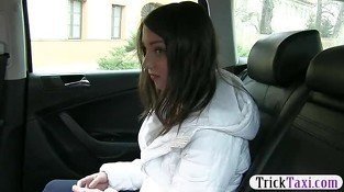 Amateur teen girl is convinced to give blowjob for free taxi fare
